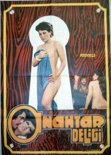 Anahtar Deliği Türk Erotik Filmi İzle